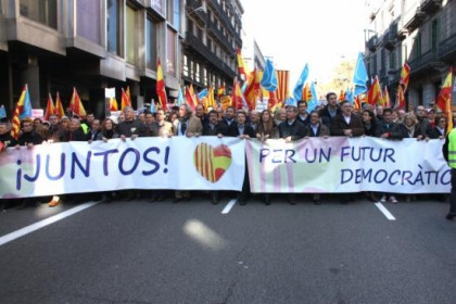 The demonstration's front banner (by R. Garrido)