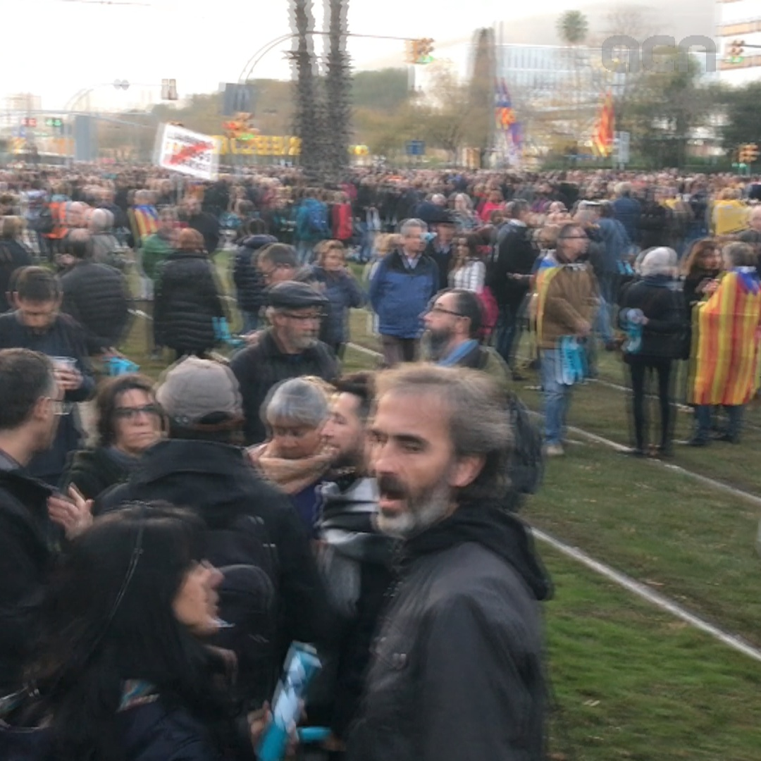 Pro-independence protest underway ahead of Barça-Madrid match