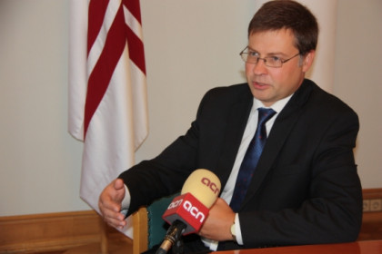 The Prime Minister of Latvia, Valdis Dombrovskis, interviewed by the CNA (by A. Segura)