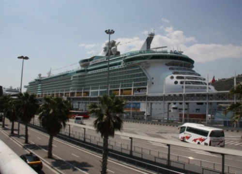 The 'Liberty of the Seas' a true floating town (by J. Pérez)