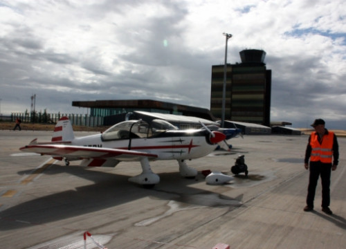 A Formula One Air Racing aircraft at Lleida-Alguaire Airport before a training session (by S. Miret)