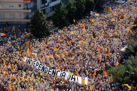 Aerial shot of the pro-independence demonstration during Catalonia's National Day in 2016 (by ACN)