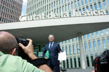 The Secretary General of Manos Limpias, before filing the complaint against Jordi Pujol (by R. Garrido)