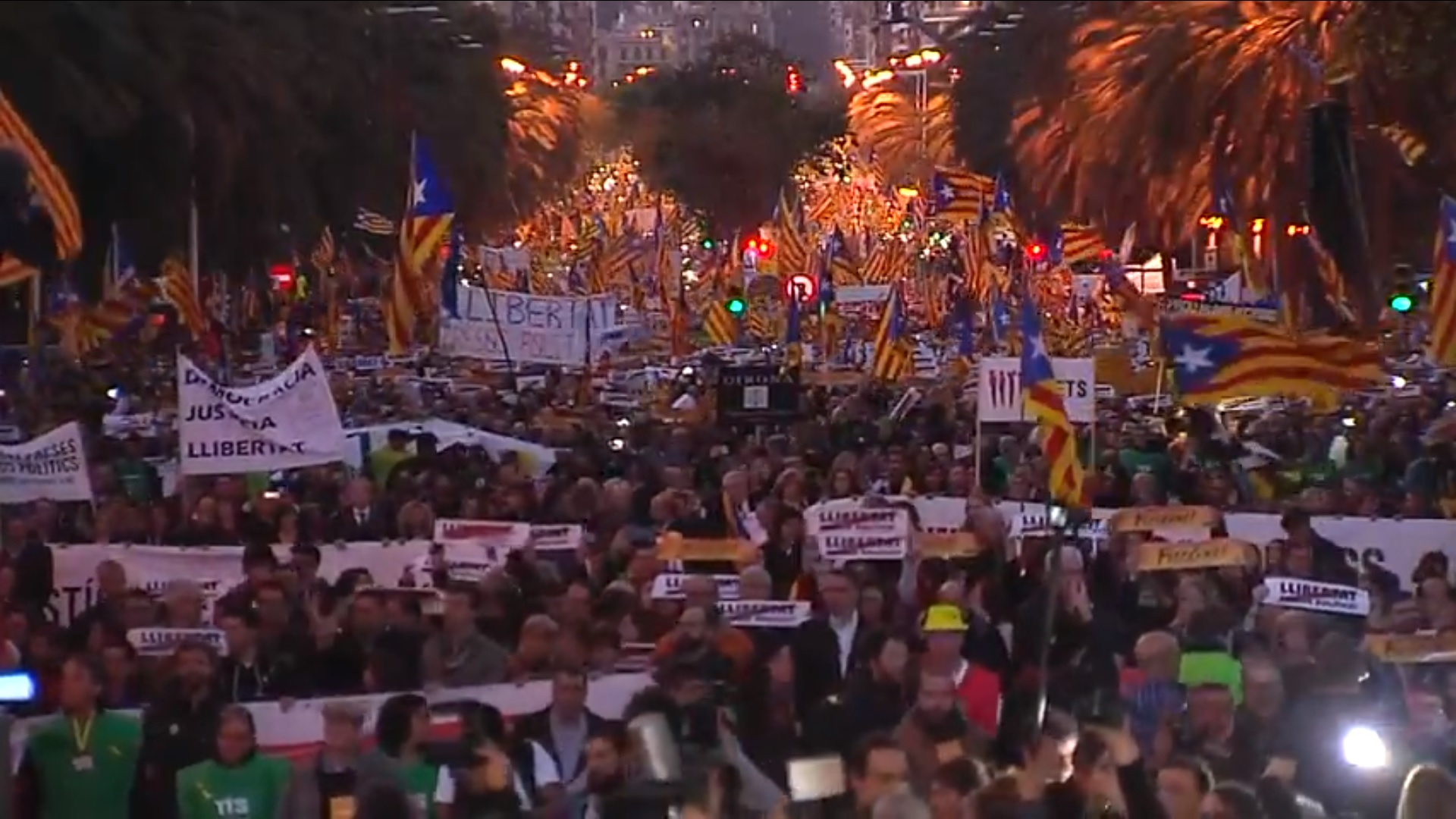 LIVE: March against imprisonment of Catalan leaders
