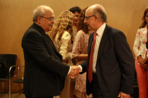 Andreu Mas-Colell (left) and Cristóbal Montoro (right) on Wednesday in Madrid (by R. Pi de Cabanyes)