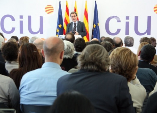 The Catalan President and CiU's candidate, Artur Mas, presenting the electoral programme (by R. Garrido)