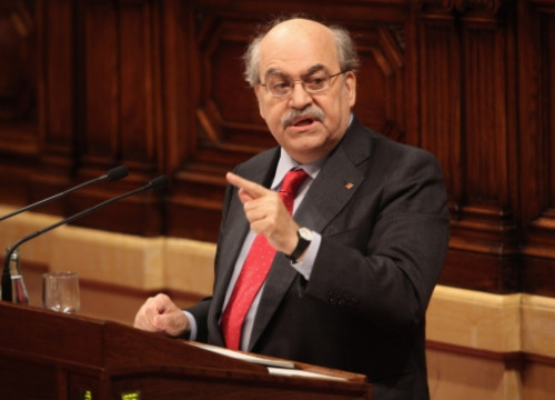 Andreu Mas-Colell recently addressing the Catalan Parliament (by ACN)