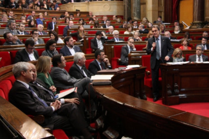 Mas during the Catalan Parliament's Government Control Session (by A. Moldes)