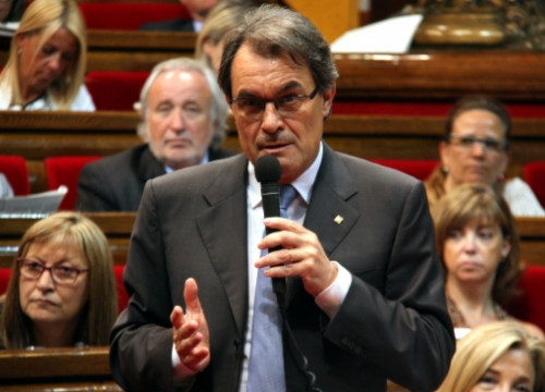 The President of the Catalan Government and CDC leader, Artur Mas, talking in front of the Catalan Parliament about the Palau case (by A. Moldes)