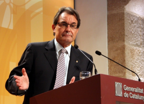 The President of the Catalan Government, Artur Mas, announcing the budget extension for the whole of 2013 (by R. Garrido)