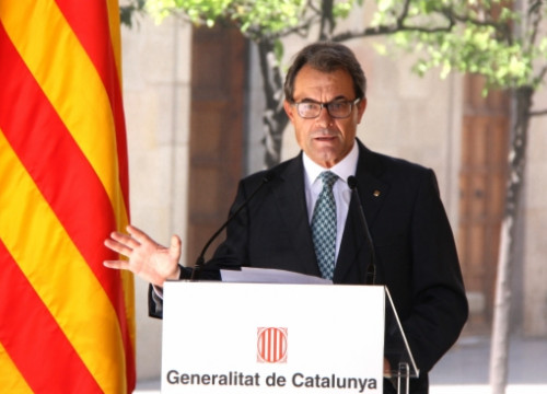 The Catalan President, Artur Mas, addressing the press after Scotland's referendum (by P. Mateos)