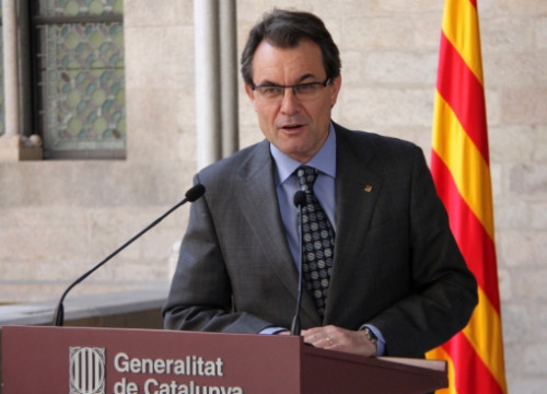 The President of the Catalan Government, Artur Mas, announcing the measure at the Generalitat Palace (by P. Mateos)