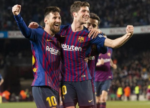 Leo Messi and Sergi Roberto celebrating a goal against Sevilla FC on January 30, 2019 (by FCBarcelona)