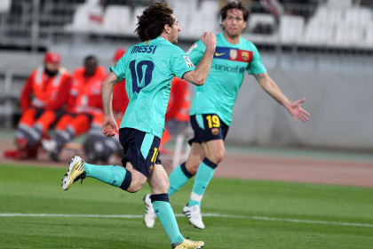 Messi scored 3 goals against Almería (by FC Barcelona)
