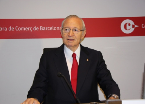 The President of Barcelona's Chamber of Commerce, Miquel Valls, presenting the report (by J. Molina)