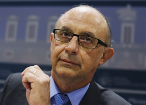 The Spanish Finance Minister, Critóbal Montoro, addressing the press after last Tuesday's CPFF (by S. Vera / Reuters)