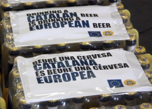 Moritz beers sent to Brussels, with a special label for the occasion (by ACN)