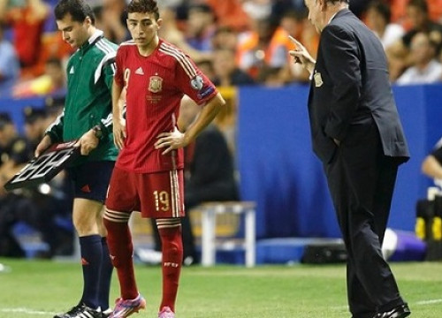Barça player Munir making his debut with the Spanish team (by FC Barcelona)