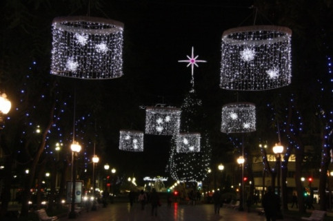 Christmas decorations in Tarragona (by ACN)