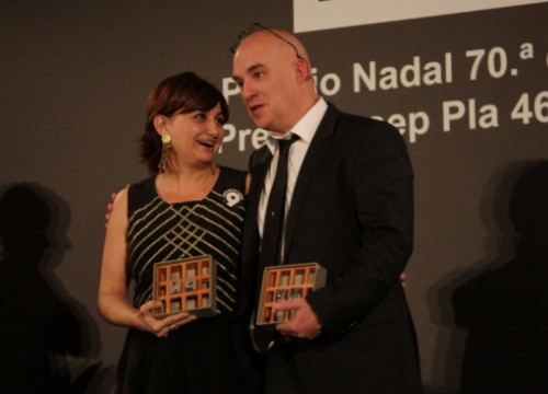 Carmen Amoraga (left) and Albert Villaró (right) winners of the Nadal and Josep Pla awards (by P. Mateos)