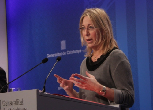 The Catalan Minister for Social Affairs, Neus Munté, at Tuesday's press conference (by P. Mateos)