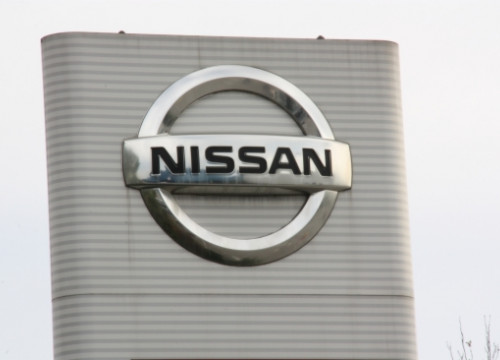 Nissan baner at the entrance of Barcelona's factory (by E. Romagosa)