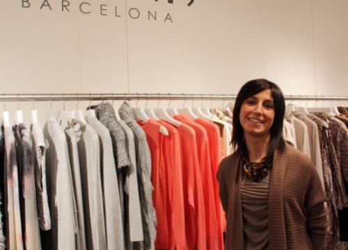 Olga Fontanillas in her New York showroom (by A. Matamoros)