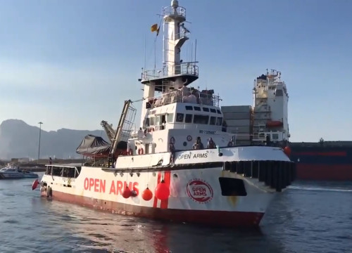 The refugee rescue ship of the Catalan NGO Proactiva Open Arms (by Proactiva Open Arms)