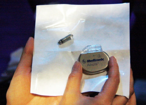 The new Micra pacemaker compared to a model currently used (by L. Roma)