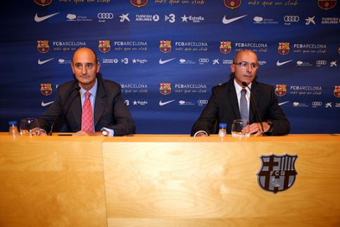 Directors Jordi Moix and Joan Bladé announcing the construction of a new Palau Blaugrana (by FC Barcelona)