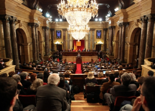 The Catalan Parliament debating the declaration of sovereignty (by O. Campuzano)