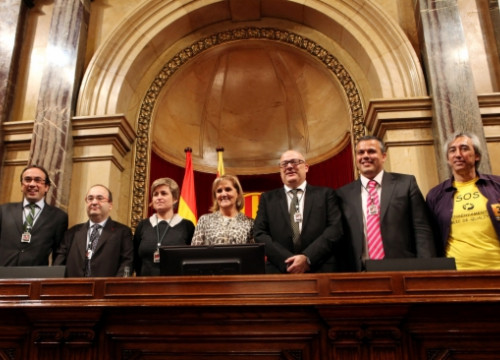 The members of the new Catalan Parliament's Bureau: Rull, Iceta, Simó, De Gispert, Corominas, Calbó and Companyon (from L to R)