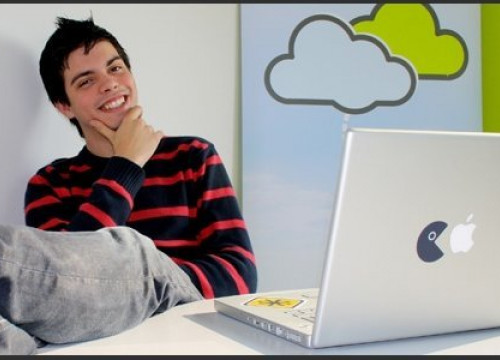 Pau Garcia-Milà, at just 18 years old, created a new operating system to modify files from another computer (by T. Bardia)