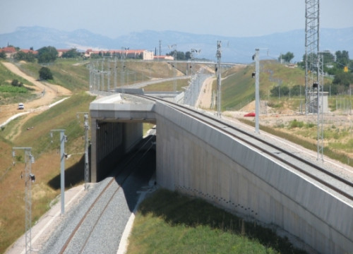 The high-speed train line next to El Pertús tunnel during its construction