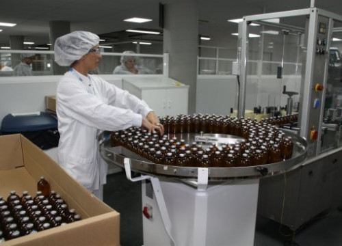 A caption from Pfizer's plant in Catalonia (by L. Casademont)