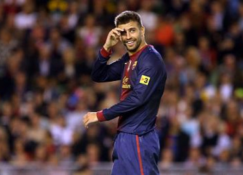 Gerard Piqué in Barça's pre-season game against Manchester United (by FC Barcelona)