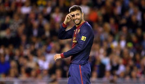 Gerard Piqué signs a new contract to stay until 2019 (by FC Barcelona)