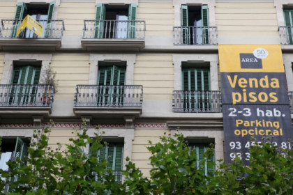 The sale of homes in Catalonia fell by 38.07% (by O. Campuzano)