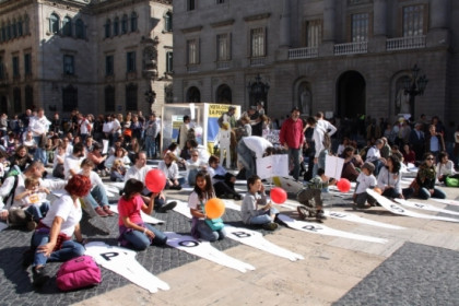 The demonstration to fight poverty in Barcelona's Sant Jaume Square (by ACN)