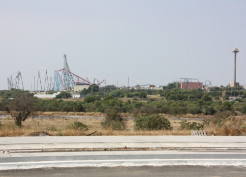 The land where 'Barcelona World' will be built, next to the theme park PortAventura (by M. Cervelló)