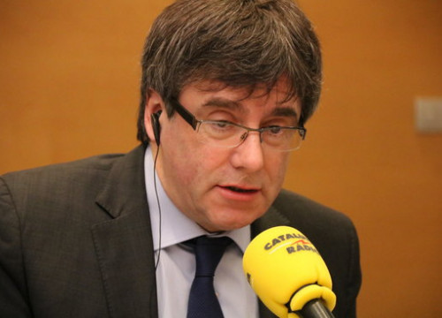 Carles Puigdemont during the interview with Catalunya Ràdio (by Blanca Blay)