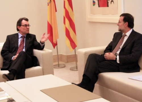 The Catalan President, Artur Mas (left), with Spain's Prime Minister, Mariano Rajoy (right) (by R. Pi de Cabanyes)