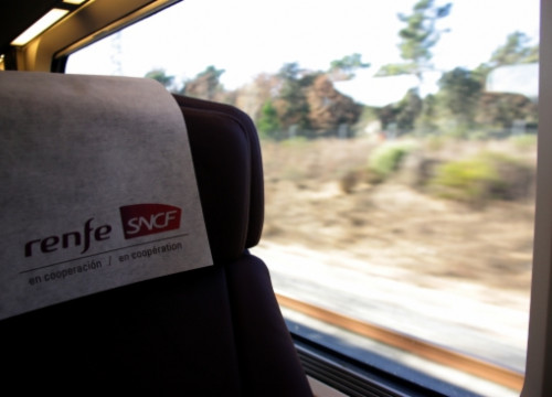 Spanish Renfe and French SNCF run the High-Speed Train service between Barcelona and Paris (by J. Pujolar)