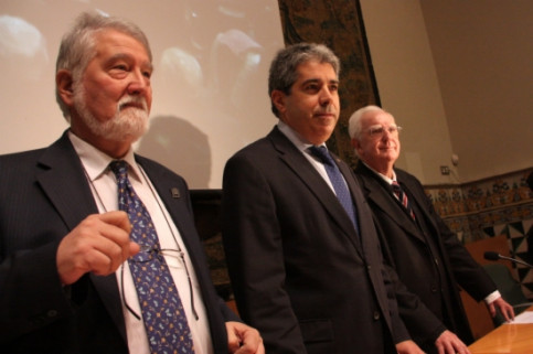 From left to right: Ros, Homs and Sobrequés at the symposium's opening session (by P. Mateos)