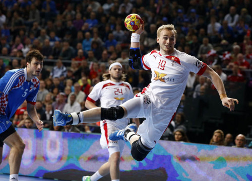 Denmark's Rene Toft Hansen attempts to score against Croatia (by Reuters / M. Djurica)