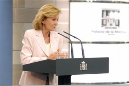 Elena Salgado at a recent press conference this August (by ACN)