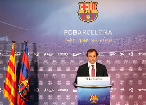 Barça President Sandro Rosell at the press conference announcing the €30 million budget surplus (by FC Barcelona)