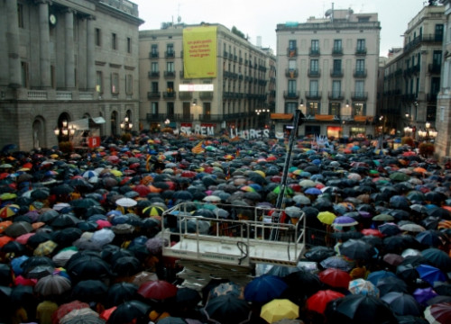 Citizen demonstration in Barcelona's Sant Jaume Square (by P. Mateos)