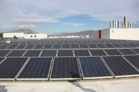 The solar panels on the roof of SEAT's Martorell factory (by E. Romagosa)