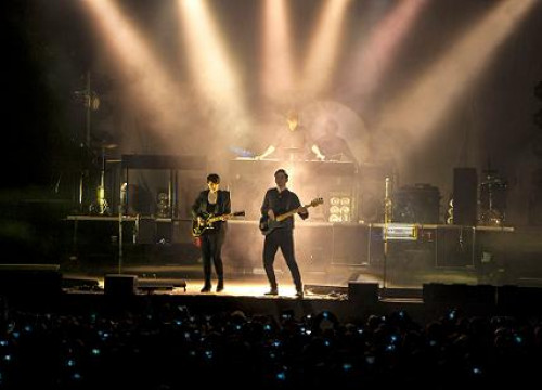 The XX played at Barcelona's Poble Espanyol (by L. van Mourik)